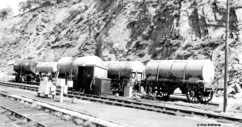 Photo of l to r - 024478, 023215, 999010, 189972, 023204 at Machynlleth
